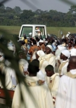 o-papa-na-africa-2009people4