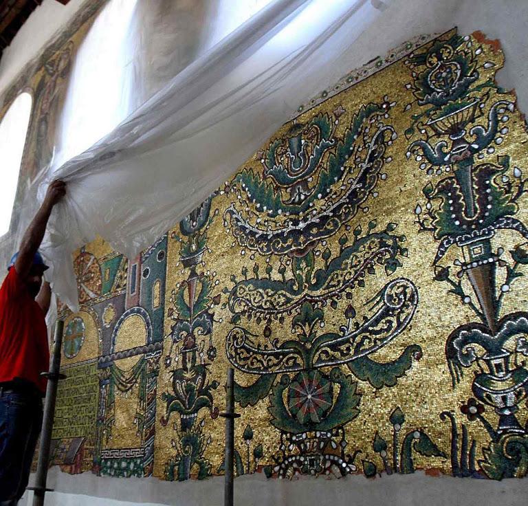 Apresentação dos mosaicos recuperados na basílica